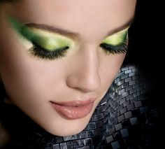 Maybelline EyeStudio Color Explosion - this would be good for Tinkerbell makeup