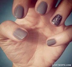 nail trend nails gold sparkle nail art natural color nail art