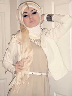 Loving the hijabi wrap makeup and outfit!
