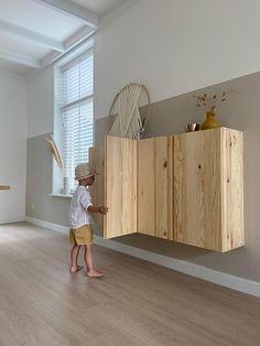 Ikea Units, Diy Storage Shelves, Earthy Home Decor, Ikea Inspiration, Playroom Design, Small House Plans, Minimalist Home, Home Living Room, Interior Design Living Room