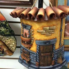 Gema Rodriguez zapata's media content and analytics Clay Fairy House, Fairy Houses, Miniature Crafts, Miniature Houses, Paper Clay, Clay Art, Biscuit, Clay Fairies, Clay Houses