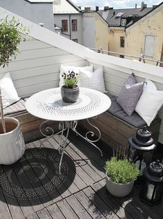 kleiner-Balkon-Ideen-a - s.p - - kleiner-Balkon-Ideen-a - s. Apartment Balcony Decorating, Apartment Balconies, Cozy Apartment, Apartment Patios, Apartment Plants, Apartment Therapy, Small Balcony Design, Small Patio, Tiny Balcony