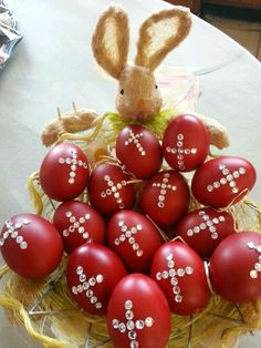 10 Red Easter Eggs Greek Easter Eggs With images Orthodox Easter, Easter 2015, Greek Easter, Easter Egg Designs, Easter Ideas, Diy Ostern, Easter Parade, Easter Traditions, Coloring Easter Eggs