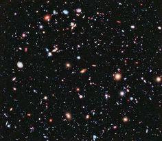 Champ profind de hubble chaque points lumineux est une galaxie photos qui vous laisseront sans voix-4. Des centaines de galaxies vues par HDF (champ ultra-profond de Hubble) comme elles étaient il y a 10 milliards d'années.