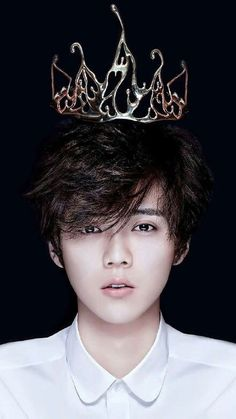 Don't know who dis is but i am in love❤️❤️❤️ Más ≤≤ Luhan from EXO Chanyeol, Sehun And Luhan, Bts And Exo, Kpop Exo, Exo K, Hunhan, Exo Ot12, Woozi, K Pop