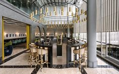 Le chef Guy Martin a fait appel à India Mahdavi et sa french touch pour sa nouvelle adresse gastronomique, I Love Paris, en plein cœur de l'aéroport Paris-Charles-de-Gaulle. © Derek Hudson