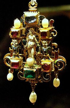 Gold enamelled gem-set pendant    British Museum   Cleopatra, possibly English or French 19th c in Renaissance style.