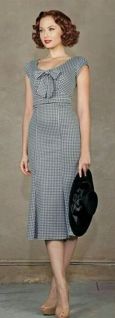 Stop Staring Grand Houndstooth Bombshell Fitted Pencil Dress USA Made S Vestidos Vintage, Vintage Dresses, Vintage Outfits, Vintage Mode, Moda Vintage, Vintage Style, 1930s Style, Retro Vintage, Retro Chic