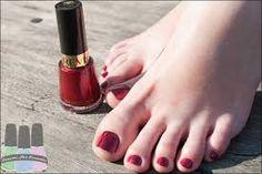 Resultado de imagem para unhas dos pés esmaltadas