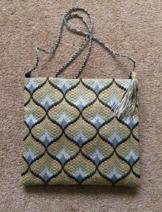 Best pocket pattern styles that transform an outfit, Show your flair for fashion by grabbing a bag pattern from the Woman's Weekly Shop. Motifs Bargello, Broderie Bargello, Bargello Patterns, Bargello Needlepoint, Bargello Quilts, Needlepoint Stitches, Embroidery Stitches, Hand Embroidery, Needlework