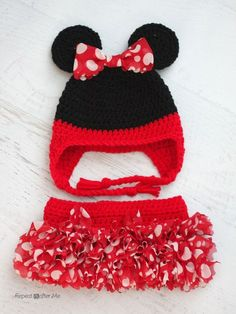 FREE Pattern - Repeat Crafter Me: Crochet Minnie Mouse Inspired Tutu with Red Heart Boutique Sassy Fabric Yarn