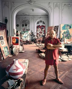 Pablo Picasso in his home studio 21 Creative Geniuses Doing What They Love In Life