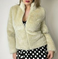 Vintage Y2K Topshop Faux Fur Jacket Size 12 Cream Beige Fluffy Short Coat 90s #Topshop #BomberJacket #CasualPartyCocktail