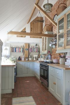 Modern farmhouse kitchen Kitchen counter decor Farmhouse kitchen ideas Diy farmhouse decor FarmhouseKitchenTable Rustic farmhouse decor - ALL ABOUT Rustic Kitchen Design, Country Kitchen, New Kitchen, Kitchen Decor, Kitchen Ideas, Eclectic Kitchen, Kitchen Furniture, Wood Furniture, Kitchen Brick