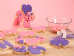 It's time to decorate cookies! Love these 3D cookie cutters...