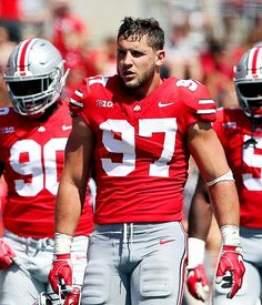 meeting with DE Nick Bosa after Ohio State pro day Buckeyes Football, Ohio State Football, Nfl Football, American Football, 49ers Players, Football Players, Nfl Scouting Combine, Usa Today Sports, Usa Sports