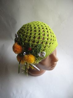 Beanie  in Green with Dandelions for Children To 5  by ninellfux