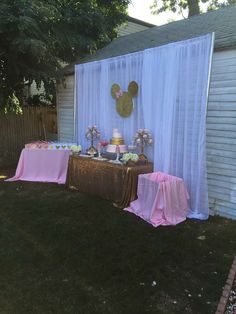 Elis V's Birthday / Minnie Mouse - Photo Gallery at Catch My Party Minnie Mouse 1st Birthday, Minnie Mouse Baby Shower, Baby Girl 1st Birthday, Minnie Mouse Pink, Minnie Mouse Party, 2nd Birthday Parties, Mini Mouse Birthday Decorations, Mickey Mouse Pinata, Birthday Ideas