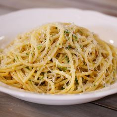 Spaghetti Alla Carrettiera, Pasta Dishes, Food Dishes, Pasta Recipes Video, Diy Food, No Cook Meals, Soul Food, Food Videos, Food Inspiration