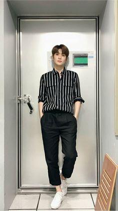 Husband with Benefit - Jung Jaehyun Jaehyun Nct, Nct 127, Outfits Hombre, Valentines For Boys, Jung Yoon, Jung Jaehyun, Fandoms, Korean Men, Korean Style