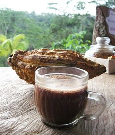 Cacao brings this feel good factor but in magnified and with health benefits to your mind body and spirit included. Sweet Recipes, Real Food Recipes, Healthy Recipes, Cacao Health Benefits, Natural Fertility Info, Cacao Recipes, Cancer Fighting Foods, Raw Cacao, Blended Coffee