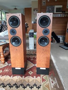Living Voice Auditoriums for sale on Trade Me, New Zealand's auction and classifieds website Floor Speakers, Floor Standing Speakers, Tower Speakers, Hifi Speakers, Monitor Speakers, Bookshelf Speakers, Speaker Stands, Hifi Audio, Homemade Speakers