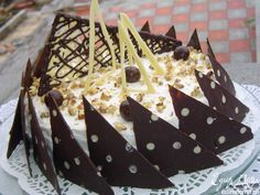 Торт с насыщенным ореховым вкусом с вкуснейшим заварным кремом Патисьер.