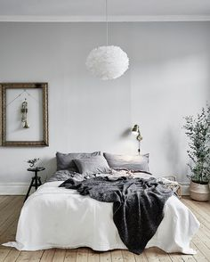 45 Scandinavian bedroom ideas that are modern and stylish. minimalist bedroom boho Check out the image by visiting the link. Dream Bedroom, Home Bedroom, Bedroom Decor, Bedrooms, 50s Bedroom, Bedroom Plants, Modern Bedroom, Scandinavian Bedroom, Scandinavian Style