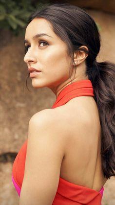 shraddha love you Indian Bollywood Actors, Beautiful Bollywood Actress, Indian Actresses, Prettiest Actresses, Beautiful Actresses, Shraddha Kapoor Cute, Indian Heroine, Sraddha Kapoor, Beautiful Film