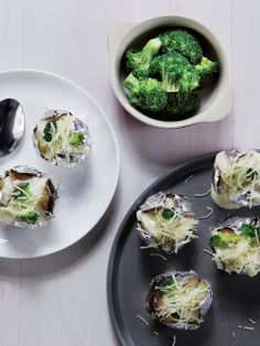 Kentang Brokoli untuk Ibu Hamil :: Pregnancy Recipe :: Baked Potato and Broccoli Fun Food, Good Food, Healthy Tips, Healthy Recipes, Indonesian Food, Baby Baby, Baked Potato, Broccoli, Pregnancy