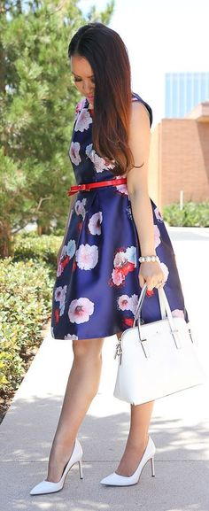 Stylish Petite Navy Floral Dress White Pumps #Fashionistas