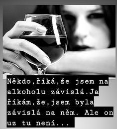 Red Wine, Alcoholic Drinks, Rings For Men, Glass, Men Rings, Drinkware, Corning Glass, Liquor Drinks, Alcoholic Beverages