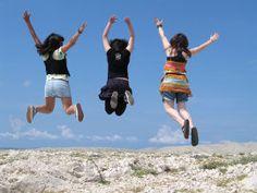 Wat gebeurt er als de gehele wereldbevolking tegelijkertijd springt? Mindful Parenting, Parenting Hacks, Conscious Parenting, Third Culture Kid, Vertical Jump Training, Live In The Present, Jumping For Joy, Choose Life, Youth Ministry