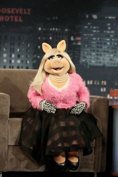 What questions would you ask in a Miss Piggy interview? Miss Piggy Muppets, Kermit And Miss Piggy, Kermit The Frog, Danbo, Caco E Miss Piggy, Miss Piggy Quotes, Fraggle Rock, The Muppet Show, Rainbow Connection