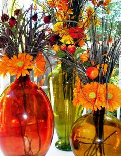Fall flower arrangements are beautiful, bright and natural Thanksgiving table decorations Harvest Decorations, Thanksgiving Decorations, Flower Decorations, Thanksgiving Table, Table Decorations, Fall Flower Arrangements, Fall Flowers, Table Centerpieces, Centerpiece Ideas