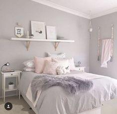 room makeover for kids 37 Cute Teen Bedroom Designs In Vintage Style Cute Teen Bedrooms, Teen Bedroom Designs, Room Ideas Bedroom, Home Bedroom, Bedroom Themes, Vintage Teen Bedrooms, Teen Bedroom Colors, Light Gray Bedroom, Design Bedroom