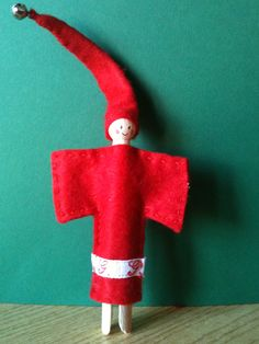 i really want  this red christmas elf !!