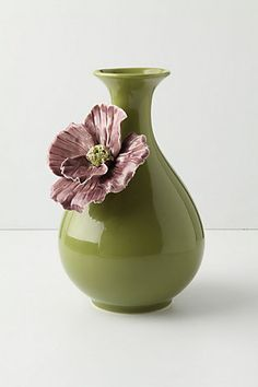 I have to put my fresh cut flowers from the garden somewhere! Ok, the truth is all my flowers died after a short lived couple of weeks. I still want this vase though!