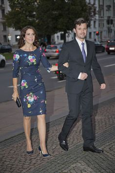 Crown Princess Mary in her Erdem dress one year ago with Crown Prince Frederik at Ny Carlsberg Glyptotek in connection with the Vietnamese state visit.