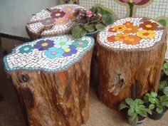 Awesome outdoor spring or fall project. I want to cut down some trees at the lake house and make these, cutting boards, wooden clocks and benches