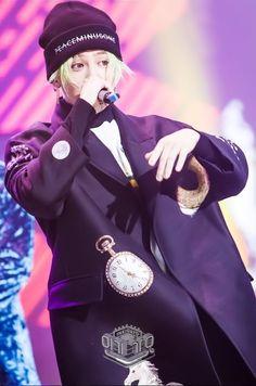 G Dragon Fxxk it LIVE2017