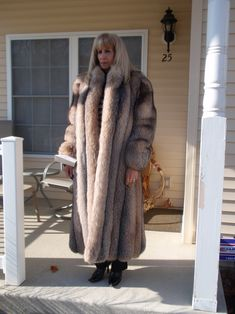 Fetish Fashion, Fur Fashion, Womens Fashion, Long Fur Coat, Fur Coats, Fabulous Fox, Animal Fur, Fox Fur, Mantel