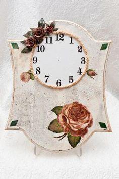 Часы «Окаменевшая роза» http://dcpg.ru/mclasses/746/Click on photo to see more! Нажмите на фото чтобы увидеть больше! decoupage art craft handmade home decor DIY do it yourself tutorial Materials and techniques: napkin acrylic paint varnish etc.