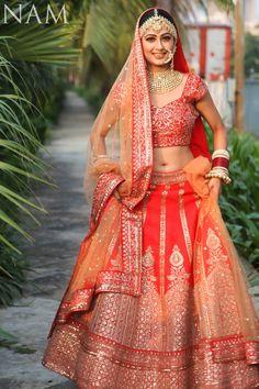 112 Best Makeup Ideas For Indian Bride Indian Bridal Photos, Indian Bridal Outfits, Indian Bridal Lehenga, Indian Bridal Fashion, Indian Bridal Wear, Indian Wedding Bride, Wedding Lehnga, Indian Weddings, Wedding Wear