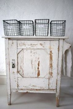 39 Shabby Chic Whitewashed Storage Pieces | DigsDigs
