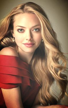 Amanda Seyfried ♥  She is just so beautiful. her voice just melts in the air.