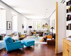 Este singular piso madrileño –ocupa una planta baja con semisótano– es un ejemplo de equilibrio entre pasado y modernidad. La brillante rehabilitación y los nuevos usos del espacio llevan la firma de...