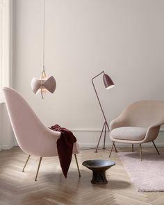 The novelty Bat Lounge Chair in two sizes creates harmony in dusty, feminine hues. Available in stores now.#gubi #gubiofficial #batloungechair #gamfratesi #multilitependant #louiseweisdorf #grasshopperfloorlamp #gräshoppafloorlamp #gretagrossman
