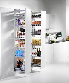 Smart storage tip for a functional kitchen - Decoration World Adirondack Chair Plans, Functional Kitchen, Smart Storage, Cuisines Design, Kitchen Organization, Bathroom Medicine Cabinet, Bookshelves, Home Kitchens, Pantry