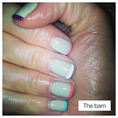 'Spring' French manicure